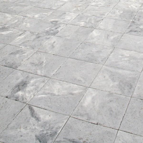 Terrassenplatte Rustica weiss schwarz 40x40x4 cm
