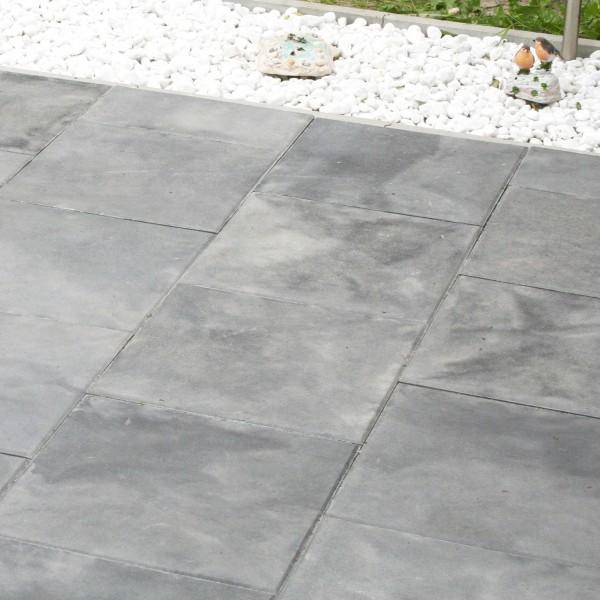 Terrassenplatte Rustica grau schwarz 40x40x4 cm