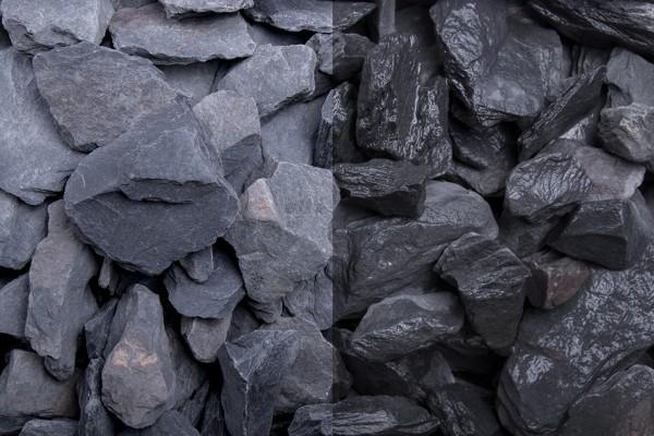 Canadian Slate schwarz Splitt 30 - 60 mm trockener und nasser Zustand
