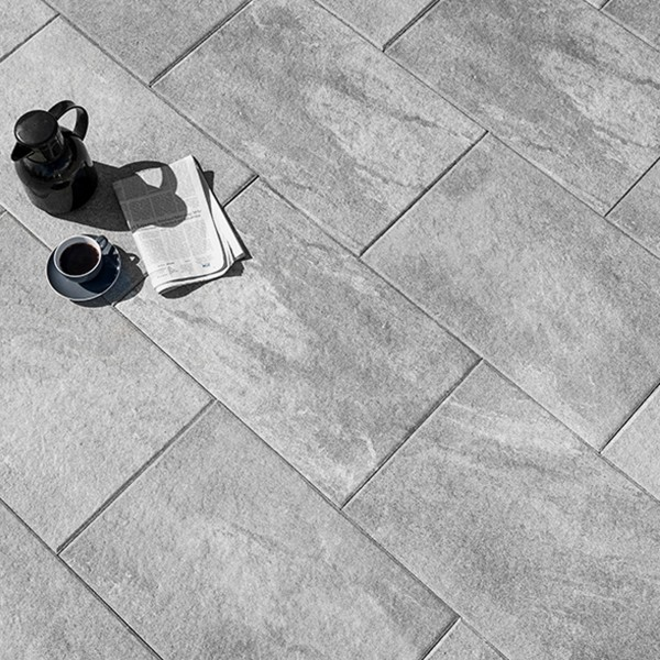 Terrassenplatte Soledo 60x40x4 cm mittelgrau Beispiel