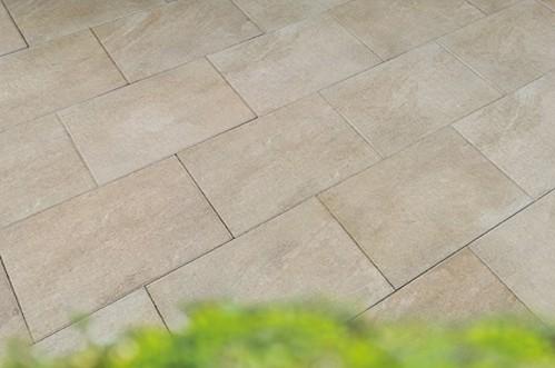Terrassenplatte Caleo 60x40x4 cm perlmutt Verlegebeipiel