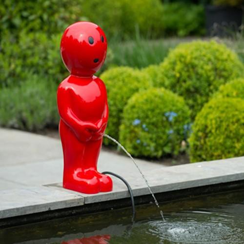 Wasserspiel Boy 45 cm rot Männeken Pis