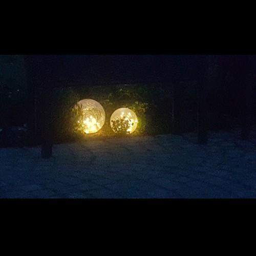 LED Solarleuchte mit Crackel Optik H. 35 cm inkl Erdspieß Solarkugel