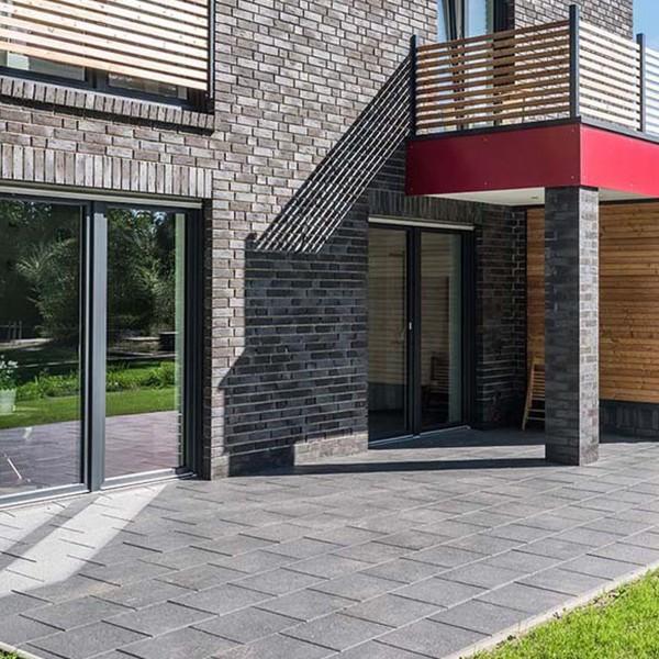 Terrassenplatte Belgische 40x40x4 cm schwarz basalt Verlegebeispiel 1