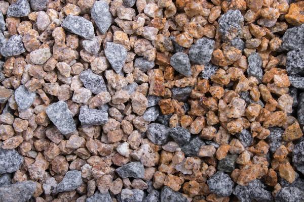 Bibione Splitt 8 - 16 mm trockener und nasser Zustand