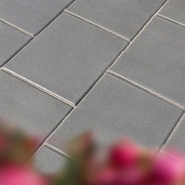 Terrassenplatte Rustica schwarz 60x40x4 cm Beispiel