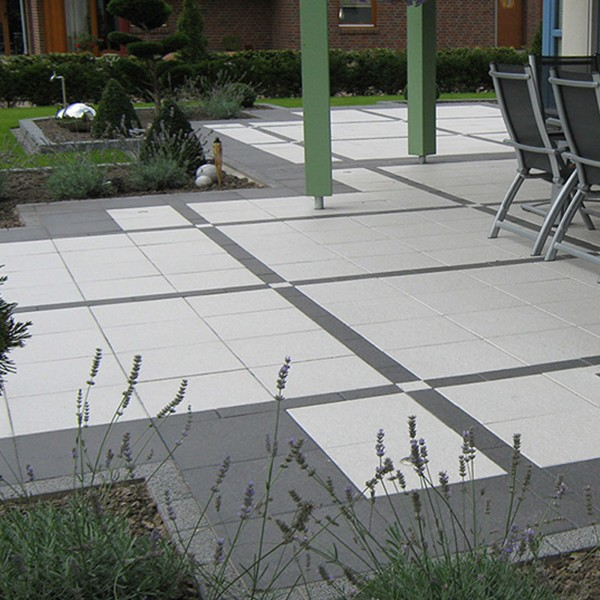 Terrassenplatte Belgische 40x40x4 cm weiss grau Verlegebeispiel 1